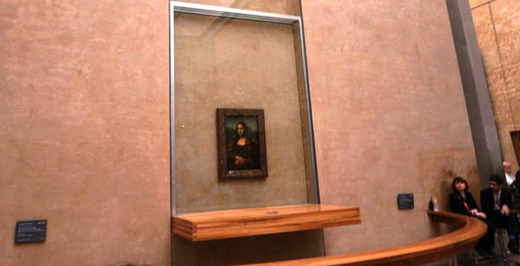 The Louvre  - Home to Mona lisa 18