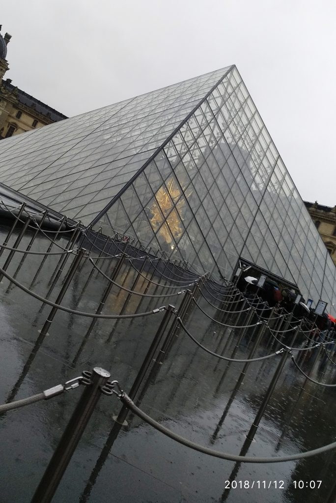 The Louvre  - Home to Mona lisa 2
