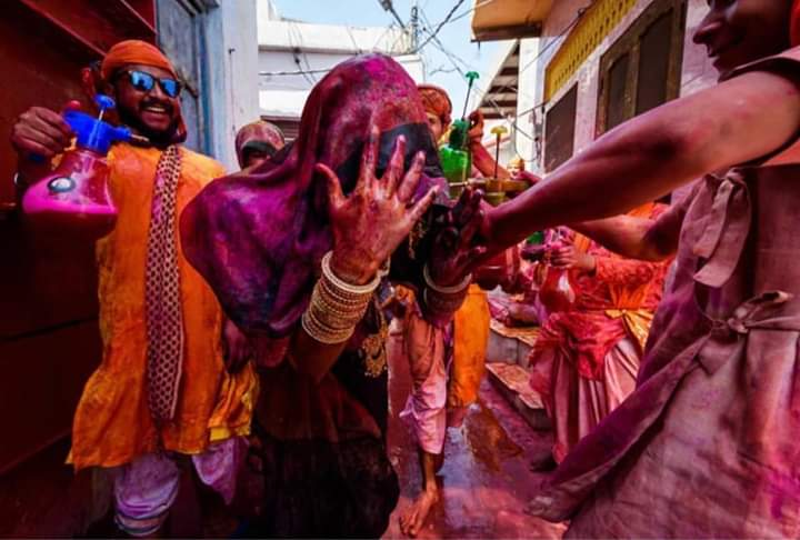 Catapult of Holi Mahotsav  in 16 pictures 11