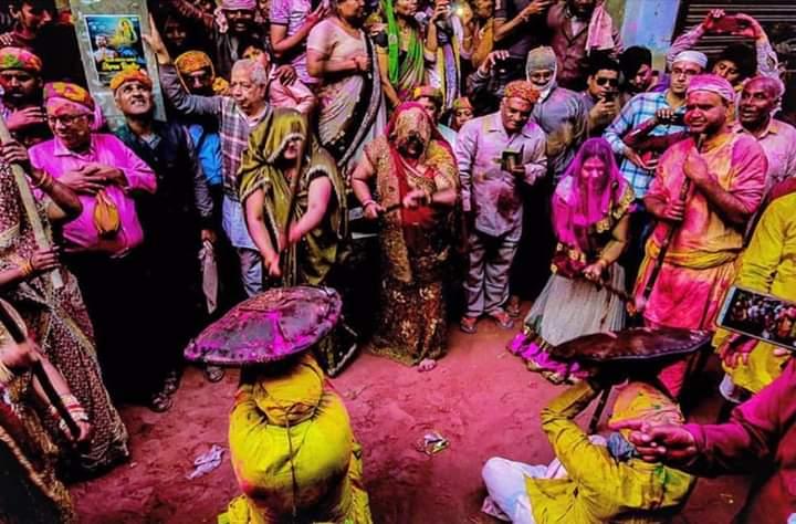 Catapult of Holi Mahotsav  in 16 pictures 14