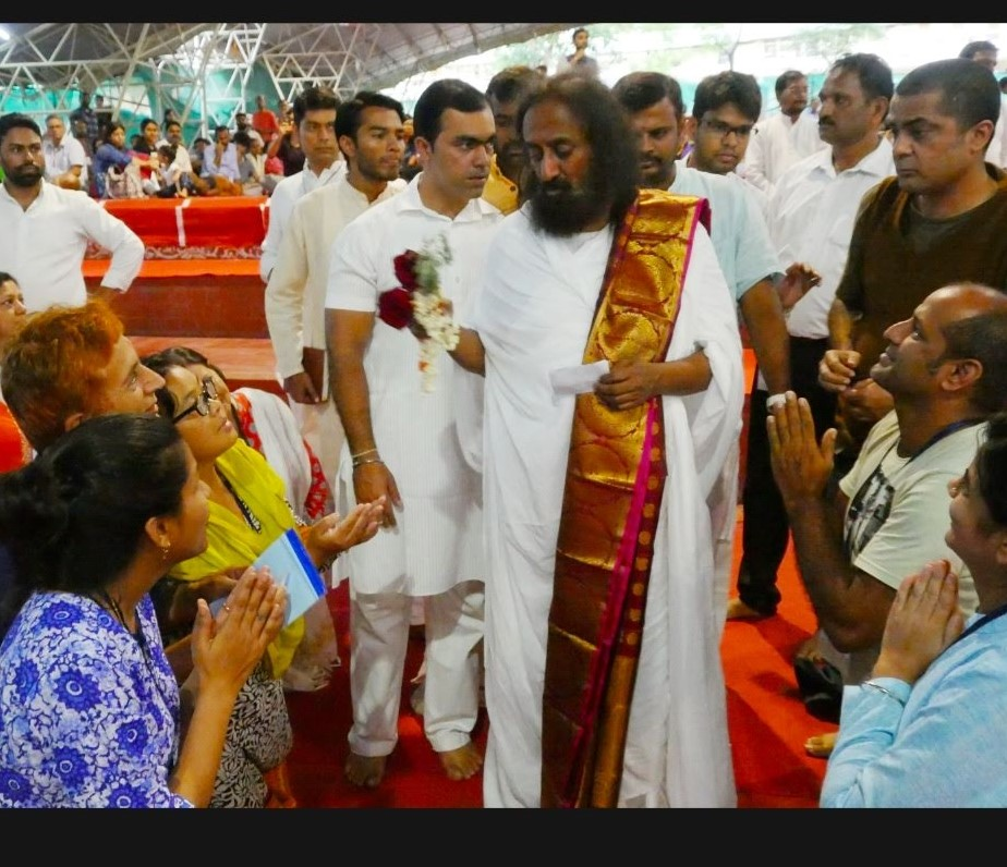 Gurudev sri sri giving darshans to devotees in yagnashala