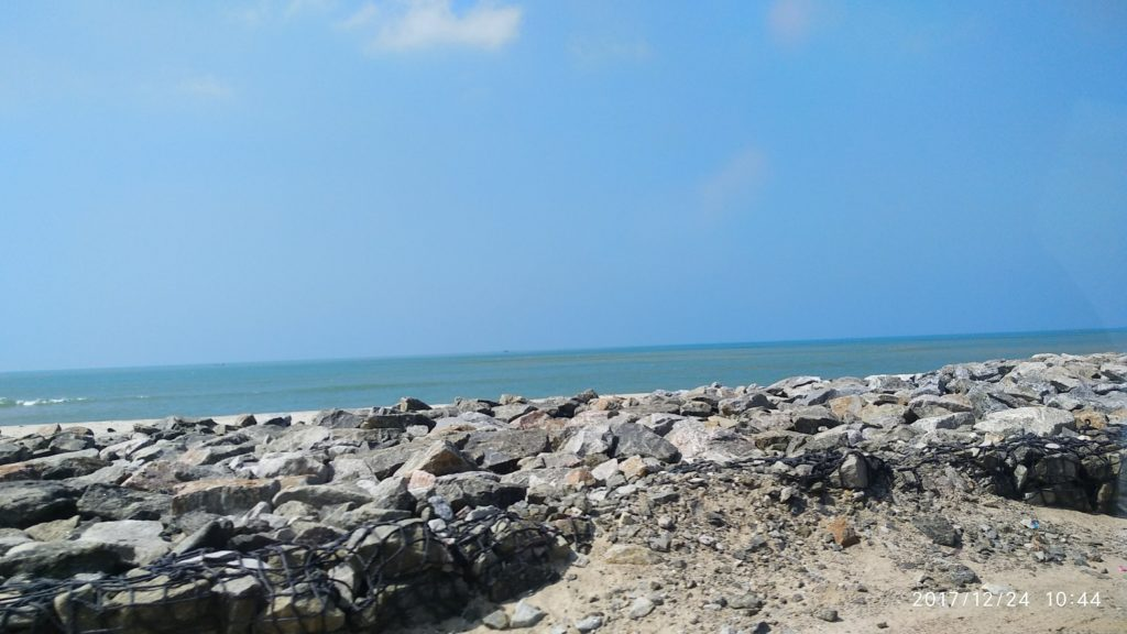 Dhanushkodi Beach point and 5 spellbinding places 3